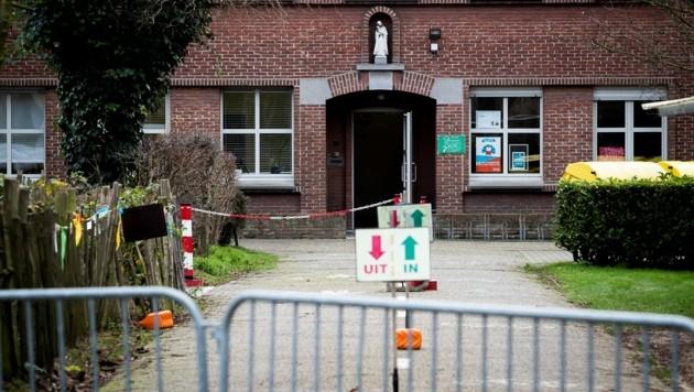 Die Volksschule in Edegem wurde nach Corona-Fällen geschlossen. (Bild: AFP)