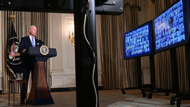 Biden bei seinem ersten Zoom-Meeting mit seinen neuen Mitarbeitern (Bild: AFP)