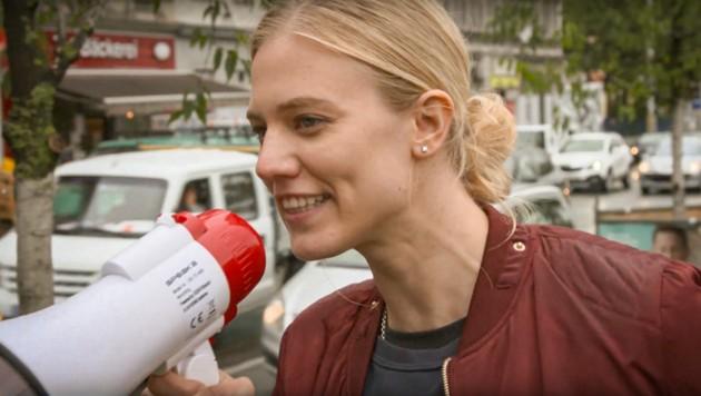 """Larissa Marolt modierte das """"A Team für Österreich"""" (Bild: ORF)"""