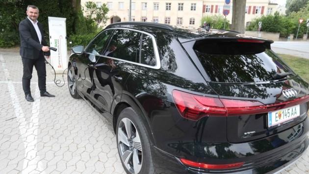 """Dorner ist beim Dienstauto bereits auf """"Elektro"""" umgestiegen (Bild: Judt Reinhard)"""