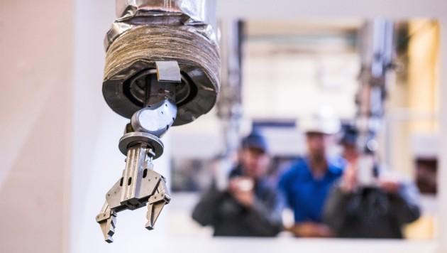 Im Zuge der Kooperation sollen unter anderem Roboter-Arme entwickelt werden, die bei der Demontage alter Kernkraftwerke zum Einsatz kommen. (Bild: UKAEA Communications)