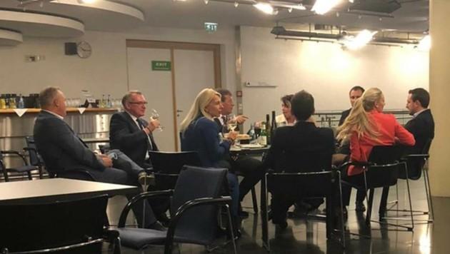 Dieser Fauxpas der Politiker-Runde aus Tirol machte österreichweit Schlagzeilen. (Bild: zVg)