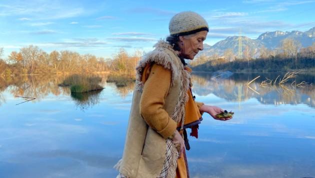 Als Schamanin und Ureinwohnerin Vorarlbergs möchte Valruna das Erbe unserer Ahnen wieder reaktivieren. (Bild: zvg/Krättli)