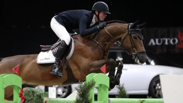 Jos Verlooy (li.) setzte sich am Sonntag im mit 100.000 Euro dotierten Grand Prix die Krone auf. (Bild: Tröster Andreas)