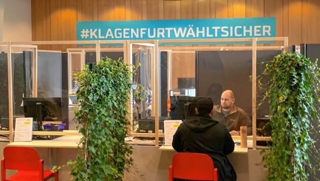 Klagenfurt wählt sicher. Der Ansturm auf Wahlkarten ist heuer groß. (Bild: Tragner Christian)