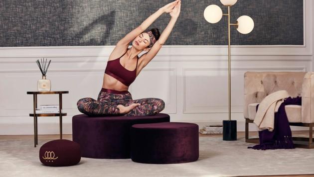 Roter Kranich-Print findet sich auf den Baiso Yoga Leggings. (Bild: RITUALS)