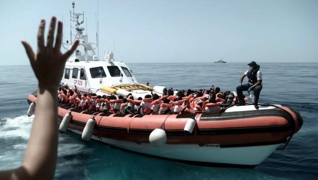 (Bild: APA/AFP/MSF/SOS MEDITERRANEE/Kenny KARPOV)
