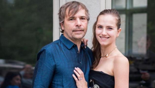 Rodney Baker und Ekaterina Baker flogen als Impf-Vordrängler auf. (Bild: facebook.com/Ekaterina Baker)