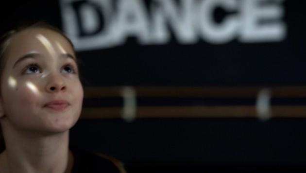 Die neunjährige Miriam spielt im Video die Hauptrolle (Bild: zVg/Dance Industry)