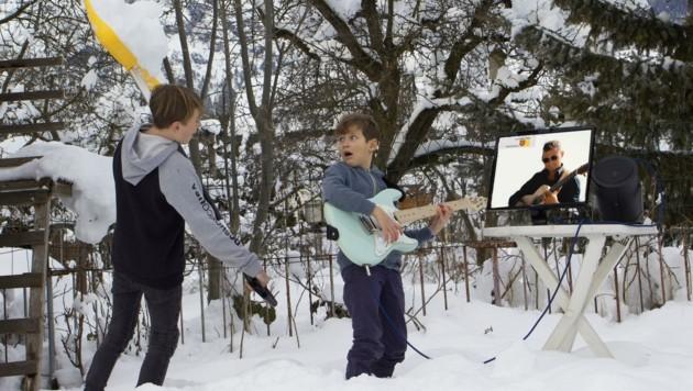 Auch beim Musikunterricht im Rahmen des notwendigen Distance-Learning sollte der Spaß nicht zu kurz kommen. (Bild: Martin Wesely)