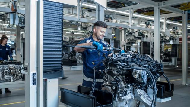 Rund 4500 Mitarbeiter sind im Werk in Steyr beschäftigt. (Bild: BMW Group Werk Steyr)