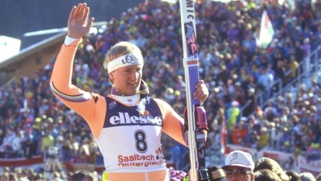 Der krönende Abschluss: Rudi Nierlich wurde nach seinem gesamt dritten WM-Titel in Saalbach gebührend gefeiert. (Bild: Honorar)