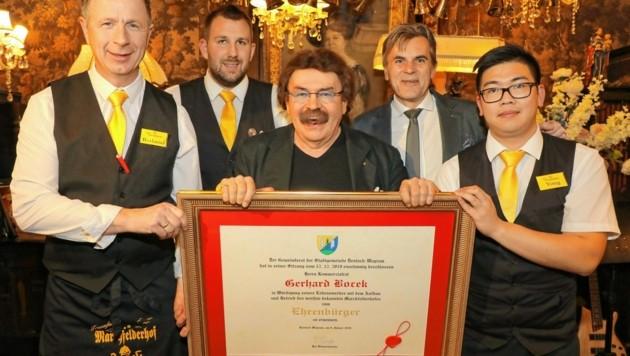 Gerhard Bocek wurde im Jänner 2020 die Ehrenbürger-Urkunde seiner Heimatstadt verliehen. (Bild: Conny de Beauclair)
