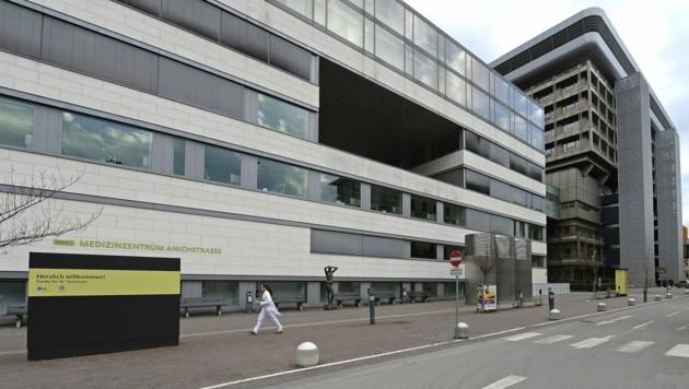 Die Universitätsklinik in Innsbruck (Bild: APA/Robert Parigger)