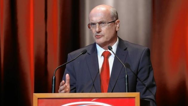 Präsident Wolfgang Bartosch wartet auf grünes Licht. (Bild: GEPA pictures)