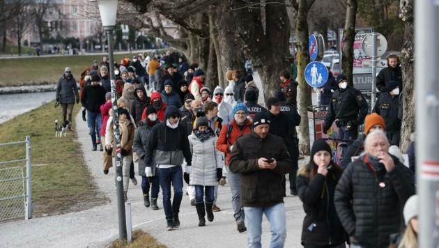 Zuletzt kam es in der Stadt Salzburg zu Protest-Spaziergängen (Bild: Tschepp Markus)