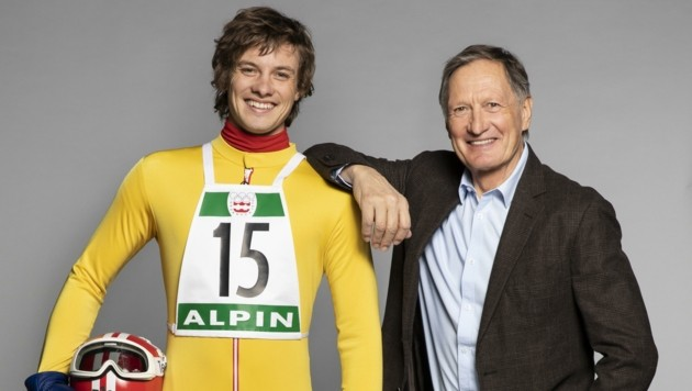 Der Schauspieler Julian Waldner (links) verkörpert Skilegende Franz Klammer. (Bild: epo-film/Samsara/Tina Herzl)