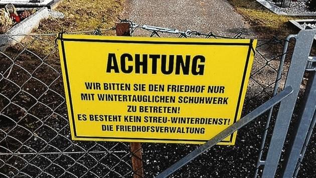 """Ein Leser ärgert sich am Friedhof Gottestal: """"Nicht zulässig!"""" (Bild: ZVG/Ewald Rasom)"""