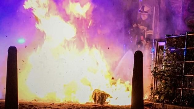 In den vergangenen Wochen musste die Berufsfeuerwehr zu zahlreichen brennenden Müllkübeln ausrücken. (Bild: Markus Tschepp)