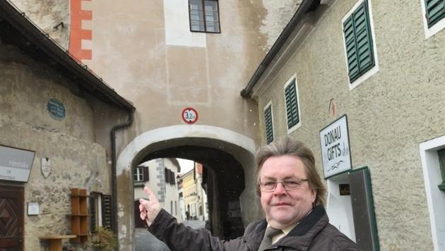 Stadtchef Johann Riesenhuber will den Tor-Kauf besprechen (Bild: Semrad Gregor)