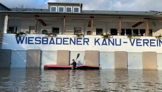 Wasser bis zur Türklinke – Wiesbadens Kanuverein ist zu! (Bild: ZVG)
