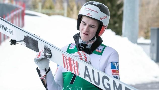 Beim Training in Tschagguns hatte Niklas Bachlinger seine Augment-Sprungskier noch - auf dem Weg zur Junioren-Weltmeisterschaft nach Lahti gingen die Arbeitsgeräte des 19-jährigen Schoppernauers zwischenzeitlich verloren. (Bild: Maurice Shourot)
