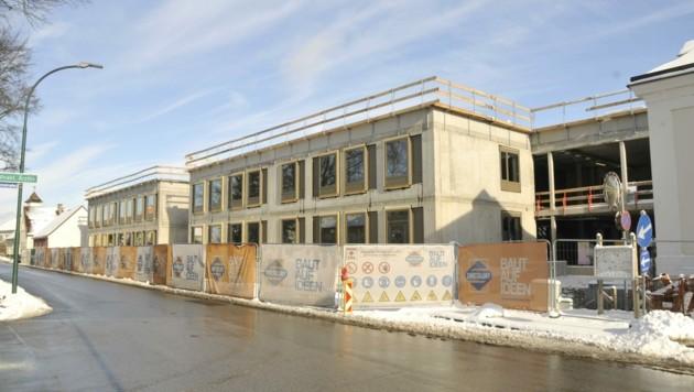 Das neue Schülerwohnheim der Landesberufsschule in Schrems wird 132 Plätze bereitstellen (Bild: René Denk)