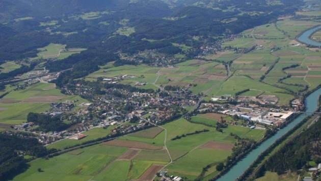 Durch Paternion fließt die Drau. Entlang des Flusses zieht sich der beliebte Drauradweg. (Bild: Gemeinde Paternion)