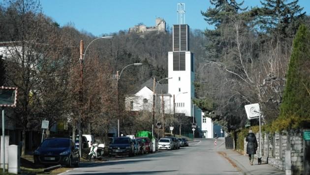 In der Nähe der Kirche in Gösting schlugen die 17-Jährigen zu. (Bild: Sepp Pail)