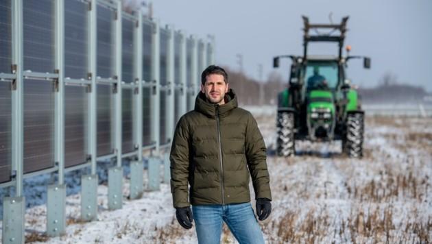 Lukas Hammer beim Lokalaugenschein in Guntramsdorf (Bild: Imre Antal)
