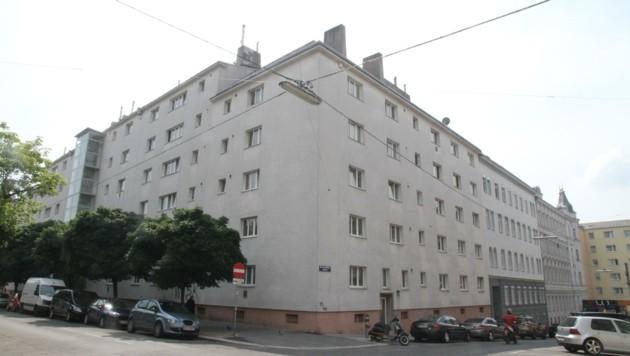 In einer Wohnung in diesem Wiener Mehrparteienhaus wurde Ali S. getötet. (Bild: Schiel Andreas)