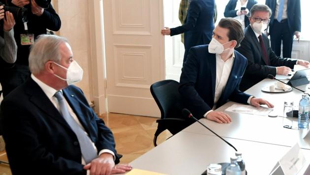 Der steirische Landeshauptmann Schützenhöfer, Bundeskanzler Kurz und Gesundheitsminister Anschober (Bild: APA/Roland Schlager)