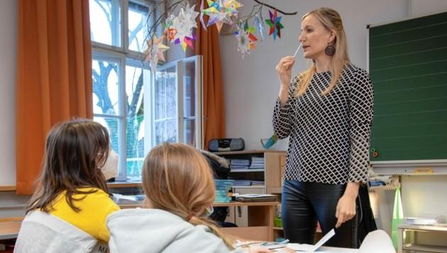 Selbsttests: In den Schulen wird weiter fleißig in der Nase gebohrt. (Bild: Camera Suspicta / Susi Berger)