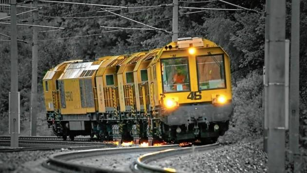 Unebenheiten an Gleisen werden durch den 2500 PS starken Zug geglättet. (Bild: ÖBB)