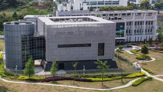 Das Institut für Virologie in Wuhan. Hier könnte laut dem deutschen Physiker Roland Wiesendanger der Ursprungsort von SARS-CoV-2 sein. (Bild: AFP)