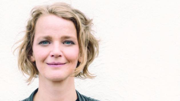 Autorin Eva Schörkhuber wuchs in Schwertberg auf und ging dann nach Wien. (Bild: Jorghi Poll/Edition Atelier)