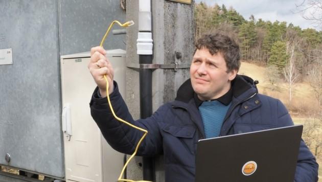 100 Meter von Mosers Haus verläuft eine Leitung, aber nur zur Netzwartung. (Bild: Gabriele Moser)