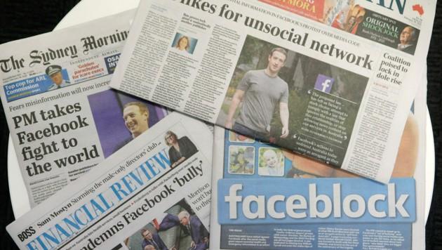 """Die australischen Titelseiten waren am Freitag voll mit Schlagzeilen wie """"Faceblock"""" oder """"Likes für das unsoziale Netzwerk"""". (Bild: AP)"""