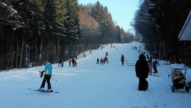 Noch nie davon gehört? Auch im Südosten der Steiermark kann man Skifahren. (Bild: Schildhof-Lift)