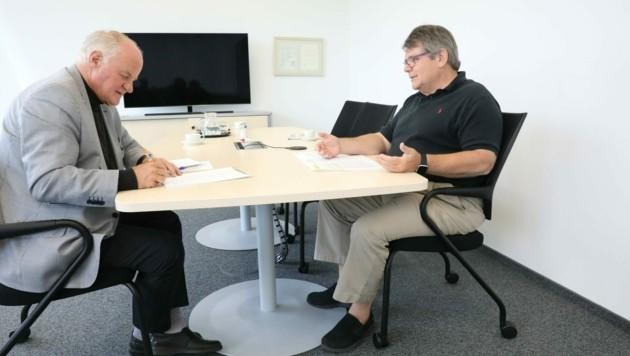 """ÖGB-Präsident Wolfgang Katzian (re.) im großen """"Krone""""-Interview mit Dr. Georg Wailand (Bild: Jöchl Martin)"""
