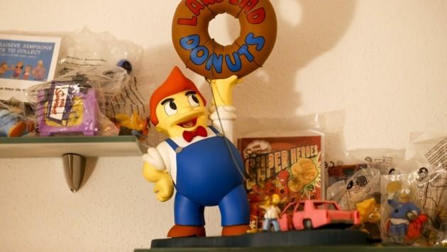 """Gelb, soweit das Auge reicht: Es gibt kaum einen Fanartikel der """"Simpsons"""", die Seywald nicht in seiner Sammlung hat. (Bild: Tschepp Markus)"""