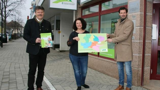 Stolz in Gänserndorf: LAK-Präsident Freistetter, Geschäftsstellenleiterin Martina Münzker und Stadtchef René Lobner (Bild: NÖ LAK)