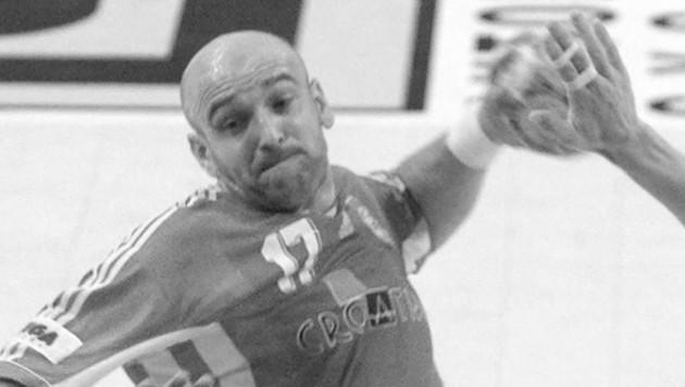 Zlatko Saracevic im Jahr 2000 beim 26:18-Sieg gegen die Ukraine bei der Handball-EM in Kroatien. (Bild: AFP/Jacques Demarthon)