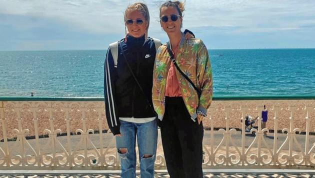Viktoria Schnaderbeck (re.) mit Freundin Anna (Bild: Krone)