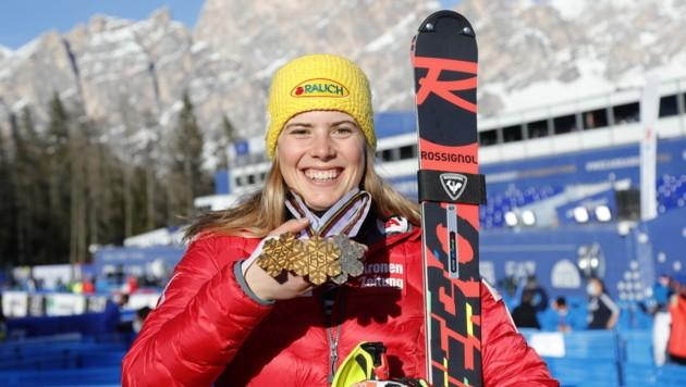 Nach ihrer heurigen Traumsaison ist Katharina Liensberger auch für die Spiele von Peking 2022 eine große Medaillenhoffnung. 2018 holte sie bereits Silber im Teambewerb. (Bild: Christof Birbaumer / Kronenzeitung)