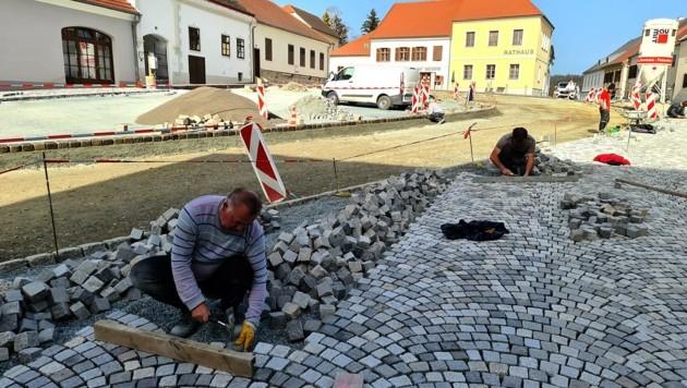 Die Bauarbeiten am Hauptplatz schreiten zügig voran. (Bild: Franz Weber)