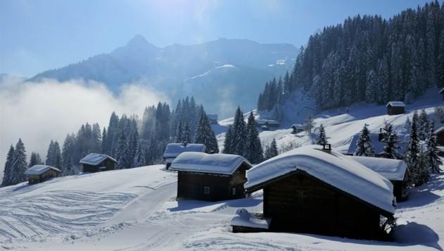 Vom Golm aus hat man einen tollen Blick auf die umliegende Bergwelt - im Hintergrund thront die Tschaggunser Mittagsspitze (Bild: zvg/Rubina Bergauer)