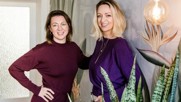 Die Eltern-Bloggerin Daniela Gaigg (diekleineBotin.at) und Lifecoach Linda Syllaba (Beziehungshaus.at) (Bild: Bianca Kübler Photography)