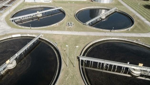 Abwasserproben (hier: Klärwerk Rossau Innsbruck) geben Aufschluss über die Corona-Lage. (Bild: Liebl Daniel)