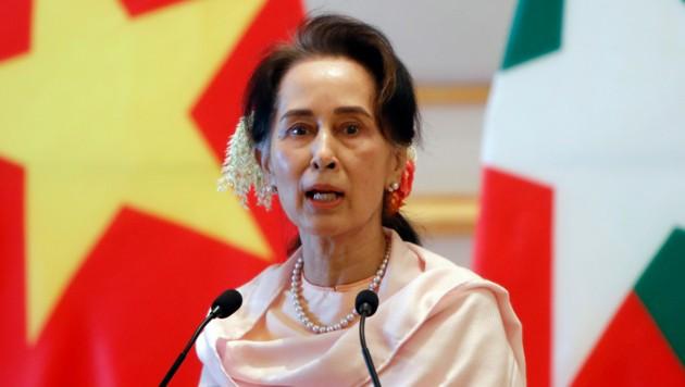 Die beim Putsch am 1. Februar vom Militär festgenommene Regierungschefin von Myanmar, Aung San Suu Kyi, auf einem Archivfoto vom Dezember 2019. (Bild: AP)